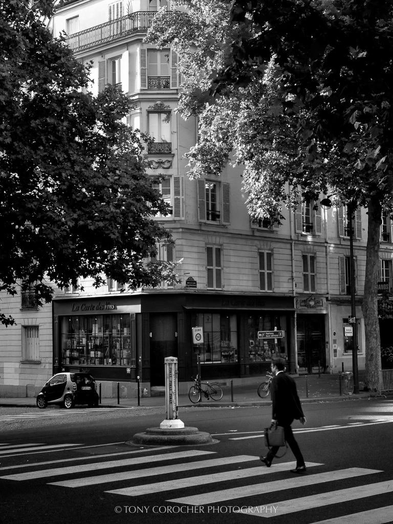 Black white urban streetlife